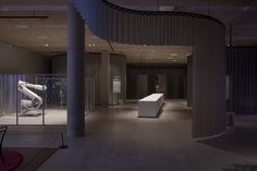"Sam Jacob Studio Creates a ""Soft Baroque"" Backdrop to New Design Museum's Inaugural Exhibition,© Max Creasy"