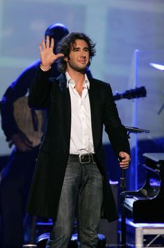 Josh Groban WOW 2006 American Music Awards -@barbmcdonaldstl