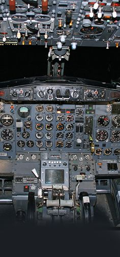 The old B737-200. INS navigation - MASTERPIECE :D.