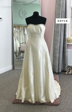 Silk Dress, Bridal Dresses, One Shoulder Wedding Dress, Tulle, Bride, Inspiration, Fashion, Silk Gown, Bride Dresses