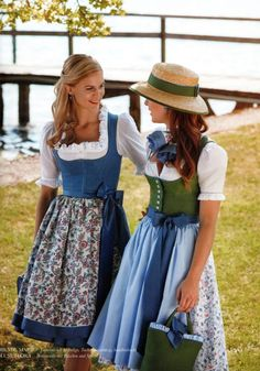 """© Copyright Susanne Spatt GmbH, Spatt Collection """"Picturesque Summer"""", spring / summer 2019 Best Picture For mexican Country Outfit For Your Taste You are looking for something, and it is going to tel Oktoberfest Outfit, Drindl Dress, Mode Simple, Country Outfits, Sweet Dress, Winter Dresses, All About Fashion, Traditional Dresses, Modest Fashion"""