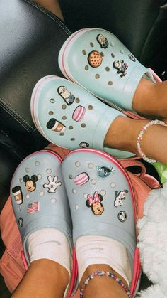 so cute, so comfy. i love to wear them. at the moment at home and in school, outside its a bit too cold Light Up Sneakers, Girls Sneakers, Shoes Sneakers, Running Sneakers, Cool Crocs, Cute Shoes, Me Too Shoes, Crocs Fashion, Croc Charms