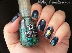 Dazzling Drak Blue 3D Nail Sticker Design: http://www.esmaltecendo.com.br/2014/07/essie-top-beauty.html