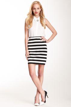 Vince Camuto Side Zip Stripe Pencil Skirt//