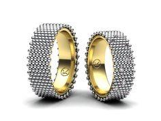 Dnes vám představím nové snubní prsteny, trochu odlišnější od běžné klasiky, prsteny jsem vyrobil v kombinaci bílého a žlutého zlata, v dámském jsou zafasovány menší Fancy Pink diamanty. Líbil by se vám i takový netradiční design prstenů ? Brzy více info na www.Korbicka.com