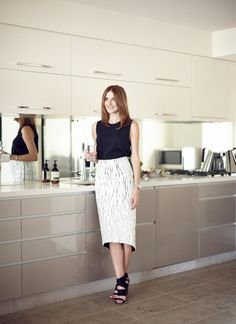 60ed9028cd00 maternally chic  kate waterhouse on pregnancy - The Grace Tales
