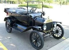 The first T rolled off the assembly line on Sept. and to celebrate its anniversary this weekend, Ford let loose one of its 13 meticulously maintained Model T museum cars. We apply o. Vintage Cars, Antique Cars, 1920s Car, Royce Car, Future Transportation, Best Muscle Cars, Ford Classic Cars, Car Ford, Ford Trucks