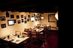 Restaurante Momos, en Gracia. Tapillas asiáticas muy ricas y con muy buena calidad/ precio.