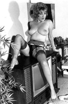 Org Vintage Nude Endowed Mature Woman