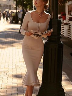 139 ideas about the dresses make us look simple and elegant – page 25 Elegant Dresses Classy, Pretty Dresses, Beautiful Dresses, Dresses For Work, Classy Dresses For Women, Elegant Summer Outfits, 60s Dresses, Office Dresses For Women, Elegant Clothing