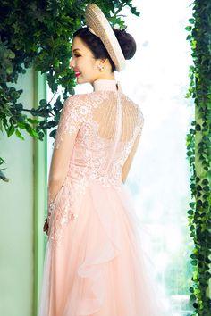Áo dài cưới màu hồng nude lộng lẫy