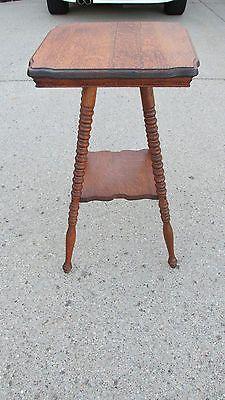 Vintage/Antique Quarter Sawn Oak End Table Parlor Table Side Table