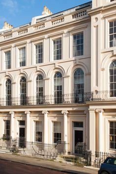 Nash Terrace, London Regent's Park/ Regency Architecture, John Nash U. London Architecture, Classic Architecture, Architecture Design, Villa, Neoclassical Architecture, Classic Building, Classic House, Bauhaus, Windows
