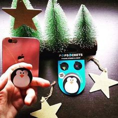 Hands up who got the sought after PopSocket Phone Grip for Christmas? http://www.secretfashionfixes.ie/c/popsocket/66