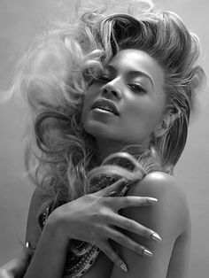 Beyonce... So beautiful and so talented!
