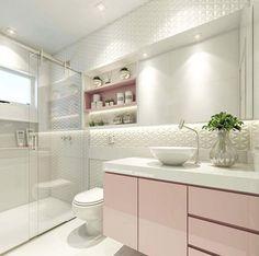 Quando o amor é a primeira vista banheiro rosa, quem não ama? Modern Bathroom Tile, Bathroom Interior, Tiled Bathrooms, Small Bathroom, Modern Bathroom Cabinets, Bathroom Pink, Mirror Bathroom, Wall Mirror, Bad Inspiration