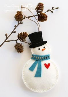 felt fabric ornament christmas sew sewing snowman Pam Sparks Felt Snowman with heart hat scarf (memorybox die? Felt Christmas Decorations, Felt Christmas Ornaments, Handmade Ornaments, Handmade Christmas, Christmas Crafts, Etsy Christmas, Christmas Nativity, Beaded Ornaments, Snowman Ornaments