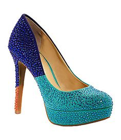 I instantly fall in love with things if they sparkle! And who can resist this color combo?