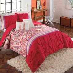 Stylish bedroom decorations