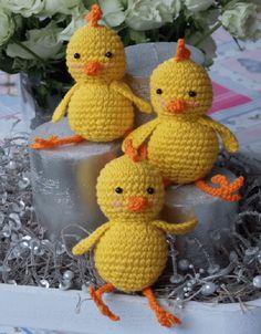 Risultati immagini per haakpatroon van een kleine cactus aub Crochet Dolls, Crochet Hats, Crochet Chicken, Easter Crochet Patterns, Crafts Beautiful, Stuffed Toys Patterns, Crochet Animals, Crochet Designs, Easter Crafts