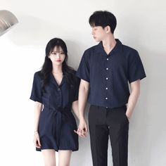 Source by romanscouple outfits for teens Kpop Fashion Outfits, Ulzzang Fashion, Korean Outfits, Matching Couple Outfits, Matching Couples, Cute Couples, Family Outfits, Outfits For Teens, Cute Outfits