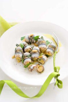 it wp wp-content uploads 2013 11 Alici-ripiene-al-forno-Ricetta-Alici-ripiene-al-forno. Fish Recipes, Seafood Recipes, Baking Recipes, Pasta Recipes, Ricotta, Anchovy Recipes, Stuffing Recipes, Baked Stuffing, Italian Dishes