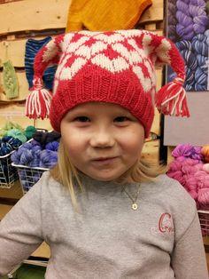 """""""Kjærlighet På Pinne"""" Lua // """"I heart you""""-hat Baby Knitting Patterns, Baby Patterns, Free Knitting, Crochet Patterns, Knitting Ideas, Crochet Needles, Knit Crochet, Knit Headband Pattern, Crochet For Kids"""