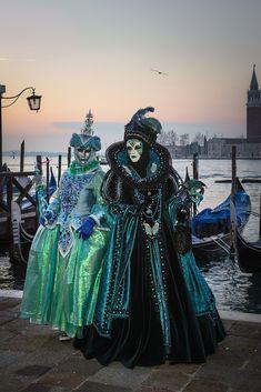 Die schönsten Bilder von Venedig.... Carnival Of Venice, Victorian, Italy, Photography, Dresses, Fashion, Venice, Pretty Pictures, Nice Asses
