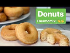 DONUTS CASEROS THERMOMIX - YouTube Bagel, Doughnut, The Creator, Food And Drink, Bread, Desserts, Youtube, Cooking Recipes, Pound Cake