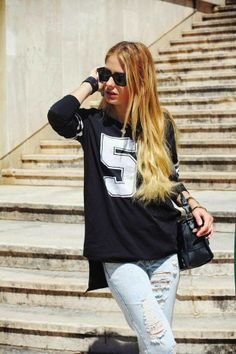 How to Chic: FASHION BLOGGER STYLE - THE PILE OF STYLE