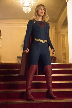 While the premiere is still over a month away, The CW has just released five first-look promotional stills from the upcoming fifth season premiere of Supergirl, featuring brand new shots of the team! Supergirl Gif, Melissa Supergirl, Kara Danvers Supergirl, Supergirl Season, Supergirl 2015, Supergirl And Flash, Injustice 2, Supergirl Injustice, Melissa Marie Benoist