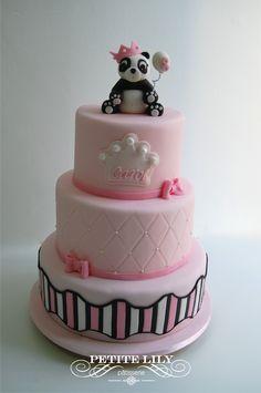 Girly panda bear cake/ bolo de ursinha Panda