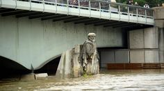 Le Zouave du Pont de l'Alma est un repère pour tous les Parisiens pour mesurer le niveau de la Seine.