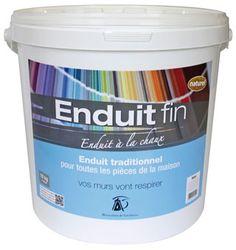 Seau de 10 kg d'enduit fin à la chaux. Disponible sur http://www.argilepeinture.com