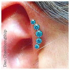 Anatometal Mint Green Zirconia Gem Cluster for this Forward Helix! #danchan #professional #bodypiercing #highquality #bodyjewelry #fidelitytattooco #baltimore #maryland #dmv #jewelryadoptionagency #anatometal #jewelryporn #gemcluster #jewelry #forwardhelix #piercings #helix #piercing #earpiercings #mintgreen #noknockoffs @anatometalinc