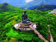 Tiantan Buddha at Lantau Island, Hong Kong - http://www.facebook.com/pages/Les-beautés-de-la-nature/206036972817790