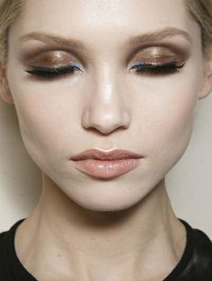 Sexy smokey eyes @ Versace Haute Couture s/s 2014 - Oogverblindende beauty's backstage @ Parijs Haute Couture Week