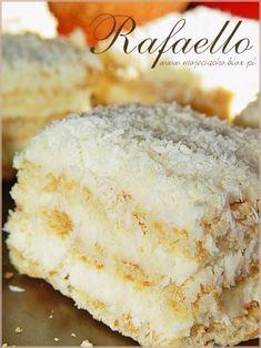 Raffaello | MOJE CIACHO Delicous Desserts, No Bake Desserts, Dessert Recipes, Almond Coconut Cake, My Favorite Food, Favorite Recipes, Hungarian Recipes, Cupcake Cakes, Cupcakes