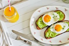 Delicious & Gluten Free: Avocado Purée & Egg Toasts  (breakfast in bed)