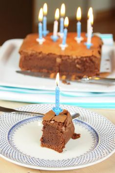 Gâteau d'anniversaire au chocolat et à la crème de marron vanillée