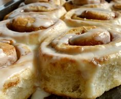 Zimtschnecken (Cinnamon Rolls) Cinnamon rolls (Cinnamon Rolls), a recipe of the baking category sweet. More Thermomix ® recipes on www. Blueberry Sweet Rolls, Strawberry Cinnamon Rolls, Best Cinnamon Rolls, Cinnamon Recipes, Baking Recipes, Cinnamon Desserts, Crepe Delicious, Homemade Caramel Sauce, Blueberry Recipes