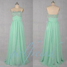 Green prom dress #coniefox #2016prom