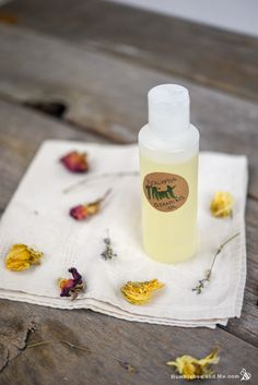 How to Make Eucalyptus Mint Cleansing Oil