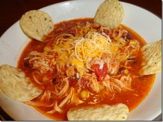Slow Cooker Chicken Taco Soup!  Looks amazing!