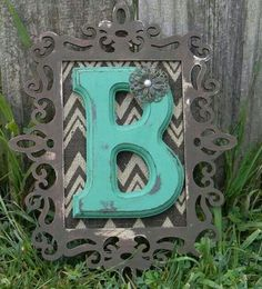 Monogram Wall Initial so gonna do something like this with our guest letter the wood frame they have at Micheals and i got the letter in canton for 12 bucks and the back you can add fabric - Home Decor Life Initial Wall, Monogram Wall, Letter Wall, Initial Decor, Burlap Monogram, Monogram Stickers, Cute Crafts, Crafts To Do, Decor Room