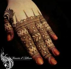 Finger Mehndi designs for brides and girls can provide wonderful look to your hands. Finger Henna Designs, Mehndi Designs For Girls, Unique Mehndi Designs, Wedding Mehndi Designs, Mehndi Designs For Fingers, Beautiful Henna Designs, Bridal Mehndi, Beautiful Mehndi, Beautiful Hands