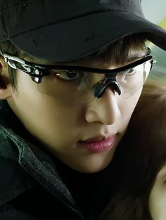 Healer Drama: Ji Chang Wook exceptional acting skills to perform this drama. Ji Chang Wook Smile, Ji Chang Wook Healer, Ji Chan Wook, Korean Celebrities, Korean Actors, Korean Dramas, Healer Drama, K Pop, Healer Korean