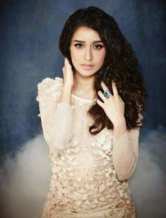Stylish Photoshoot of Shraddha Kapoor Jan 2015