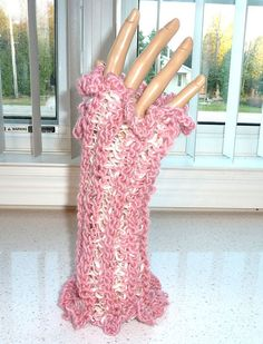 Fingerless Gloves Crocheted Pink and Cream Mix by SouthamptonCreations on Etsy Crochet Gloves, Knit Crochet, Texting Gloves, Fingerless Gloves, Arm Warmers, Crochet Projects, Hand Knitting, Cream, My Style