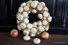 DIY: garlic wreath | knoflook krans op www.dewemelaer.nl